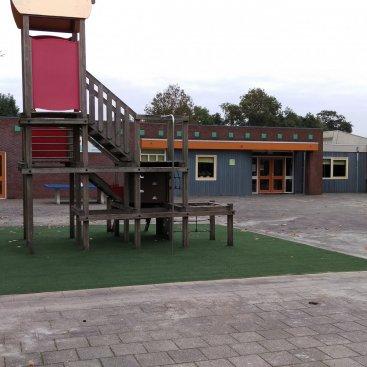 Kunstgras op schoolplein