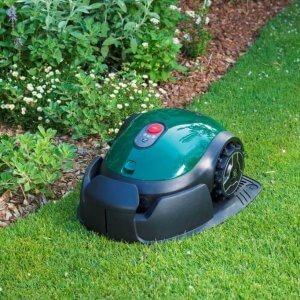 Robomow RX-model - Robotmaaier op gras in basisstation
